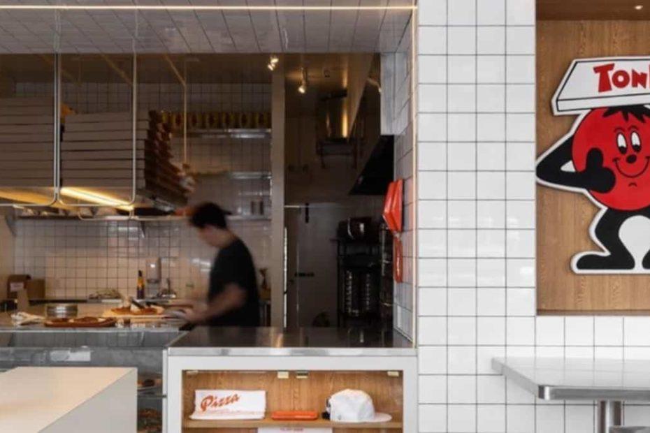 Une pizzeria qui vend à la pointe ouvre dans le Mile End