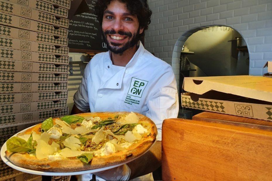 Chef de la meilleure pizzeria de Bordeaux et disciple de Pétrarque, Bartolo est un poète de la pizza