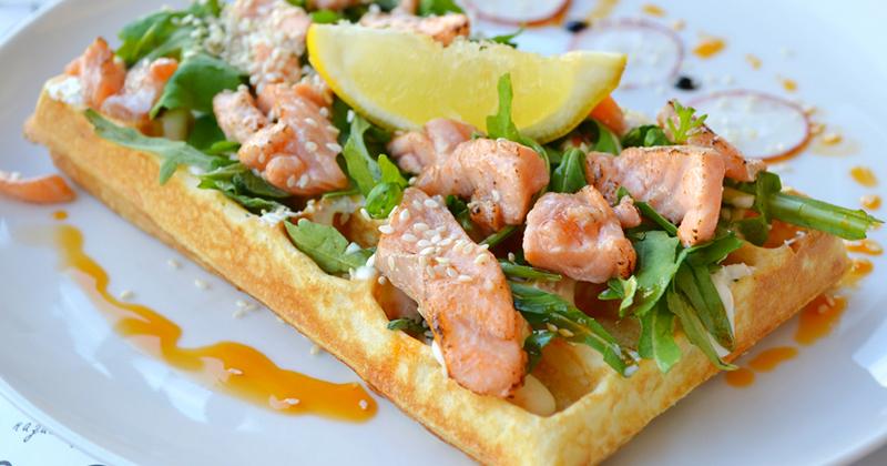Recette de Gaufres pizza au saumon et