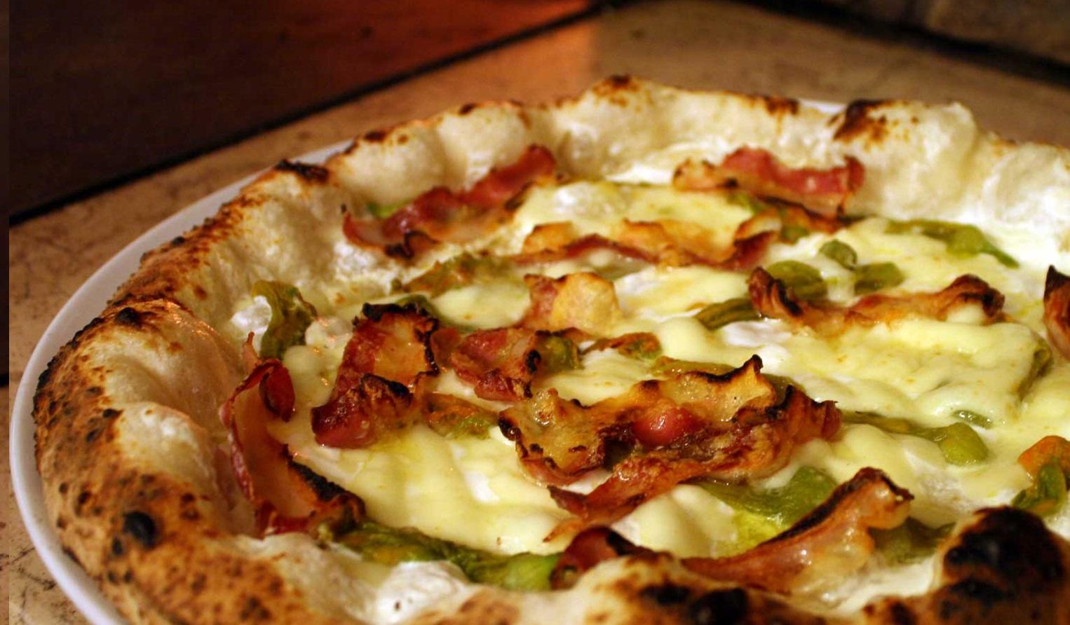 Pizza Carciofi e Pancetta