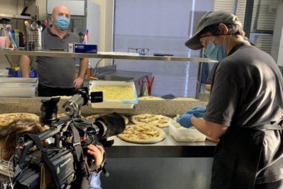TF1 en tournage chez Grey's Pizza